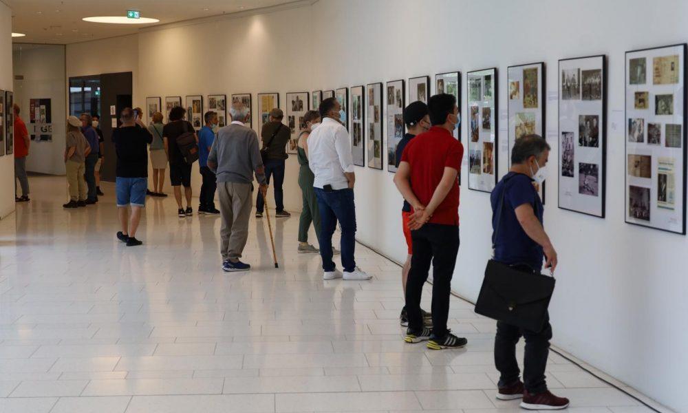 """Gazeteci Ali Çarman malzemeyi yıllardır titizlikle toplamıştı: """"Valizler Dolusu Umut"""" sergisi açıldı"""