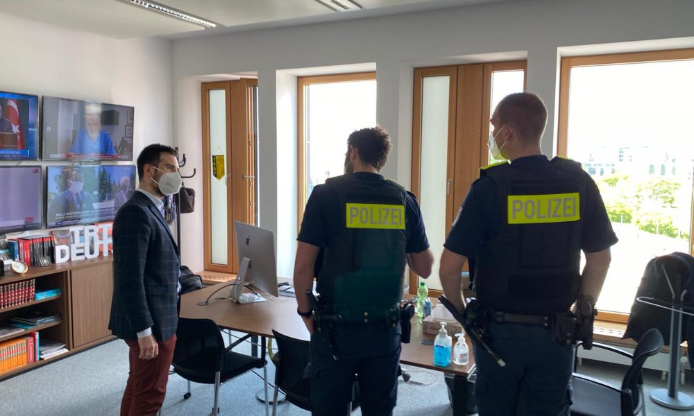 Irkçılar rahat durmuyor: Almanya'da TRT Deutsch'a tehdit mektubu gönderildi
