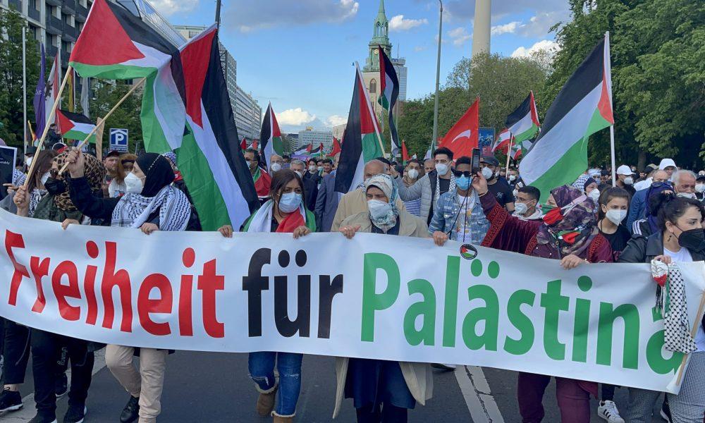 """Alman siyaset sınıfının """"antisemitizm"""" açmazı: Berlin'de İsrail'in saldırılarına kitlesel protesto"""
