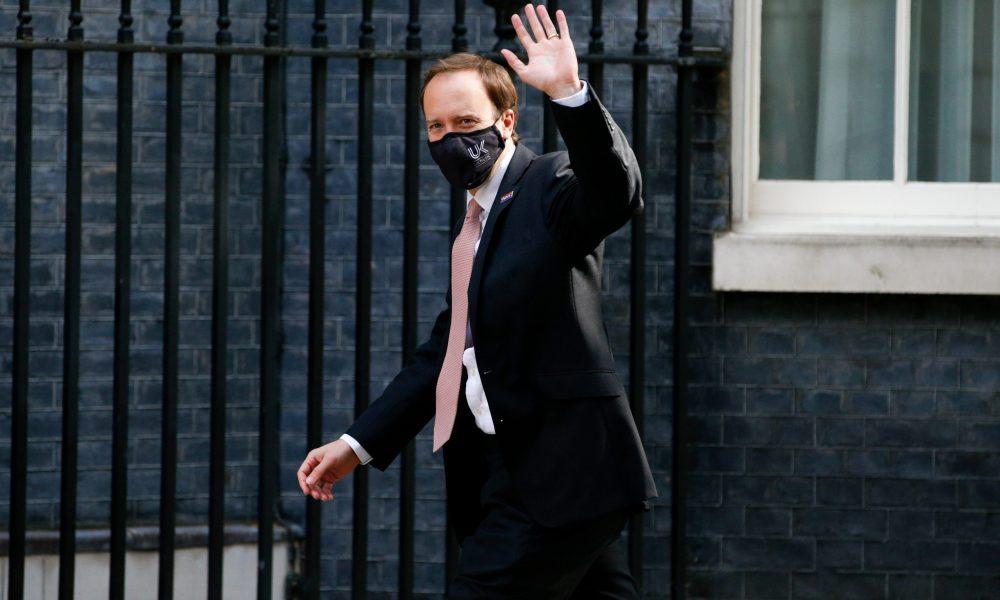 """""""Halka yalan söylemekle"""" suçlanıyor: İngiltere Sağlık Bakanı Hancock reddetti"""