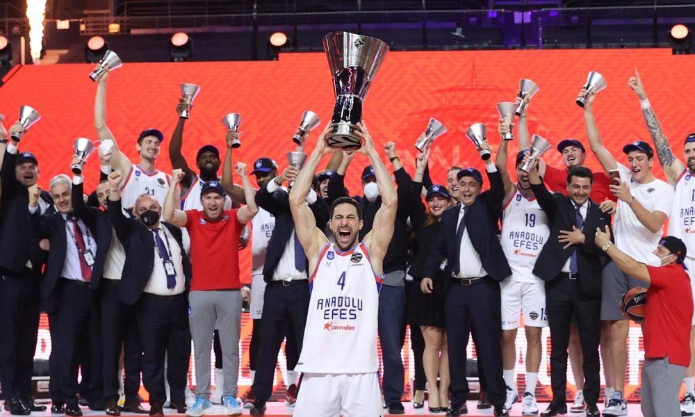 Anadolu Efes Avrupa şampiyonu: Alman yetkililere ağır eleştiriler