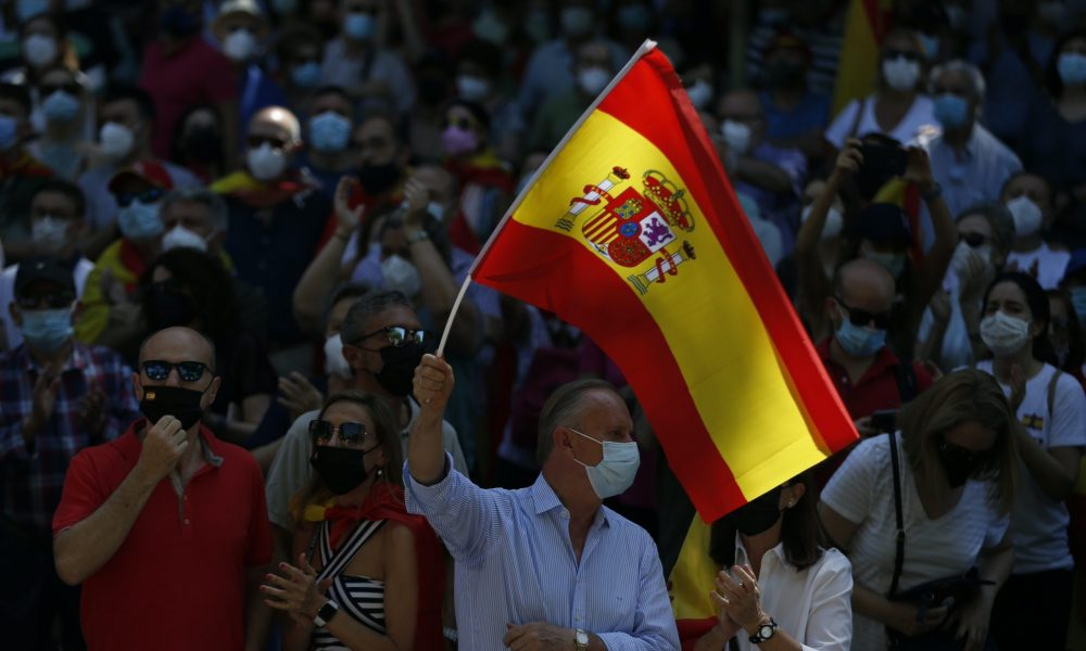 Katalan siyasetçilere af girişimi: İspanyol sağı, sol hükümeti protesto etti