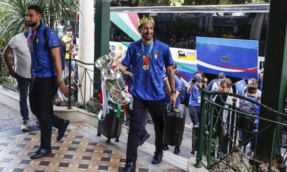 Avrupa Şampiyonu İtalya evine döndü: 53 yıl sonraki gurur