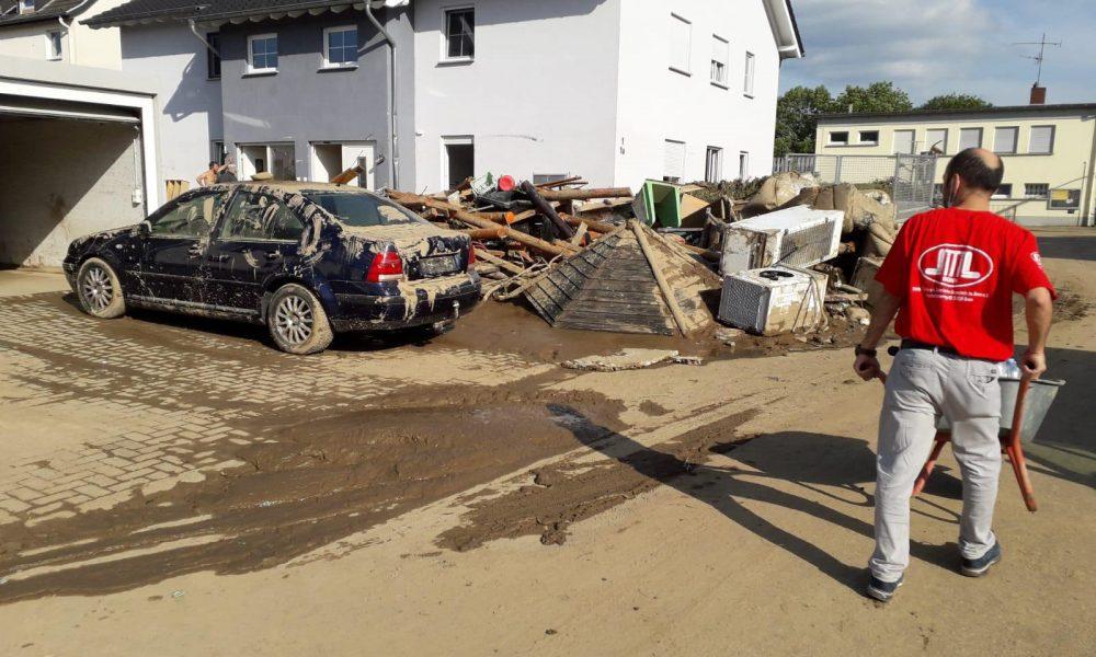 Almanya'daki sel mağdurlarına destek verdiler: DİTİB gönüllüleri felaket bölgesinde
