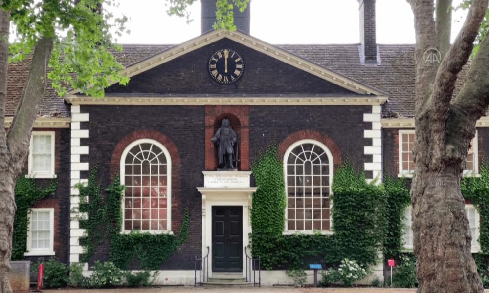 Londra'da köle tüccarı Robert Geffrye'nin heykeli: Kaldırılması için gösteri düzenlendi