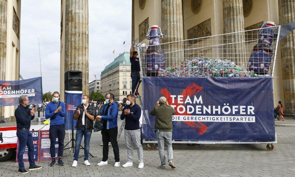 """Almanya'da, yoksulluk: """"Adalet için depozito"""" eyleminde şişe topladılar"""