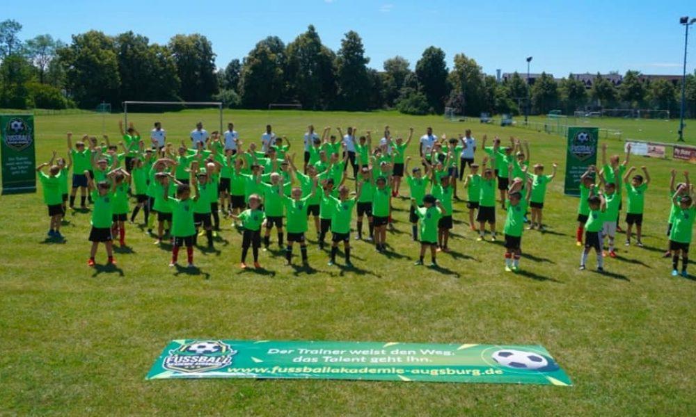 Yeni futbol yıldızları: UEFA lisanslı hocalardan ders alıyorlar