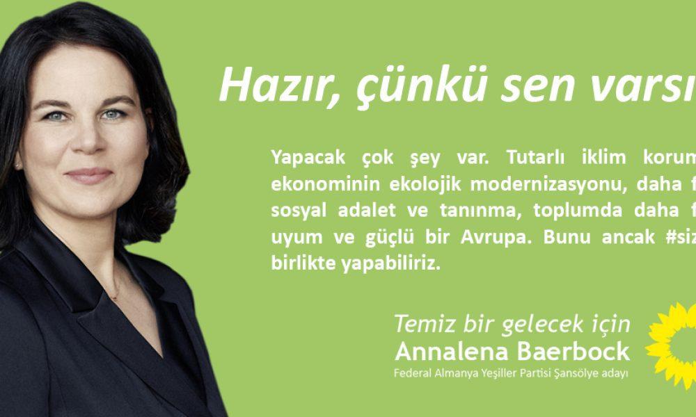 Alman seçimlerinde Türkçe de var: Başbakan adayı Annalena Baerbock Türkiye kökenli seçmene bir jest yaptı