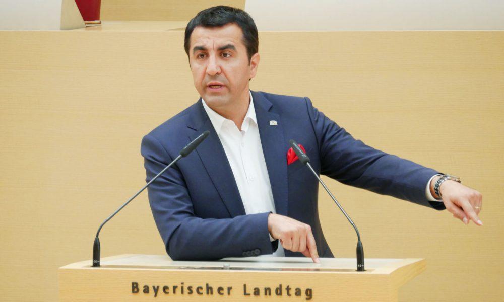 """SPD'li vekil Arif Taşdelen'den aşı portalında dil engeline tepki: """"Ölümcül hata"""""""