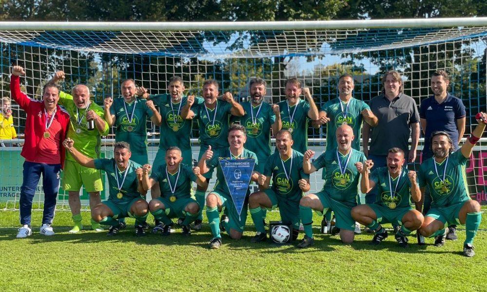Türk veteranlar şampiyon: Bayern Münih'i 2-0 yendi