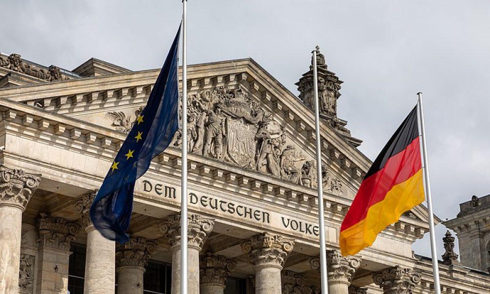 Yahudi düşmanlarına ve ırkçılara vatandaşlık yok: Almanya'da yasa değişiyor