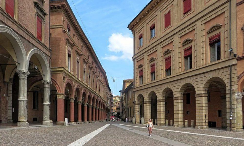 Çizme'nin en bilge, en tombul, en kızıl kenti Bologna!
