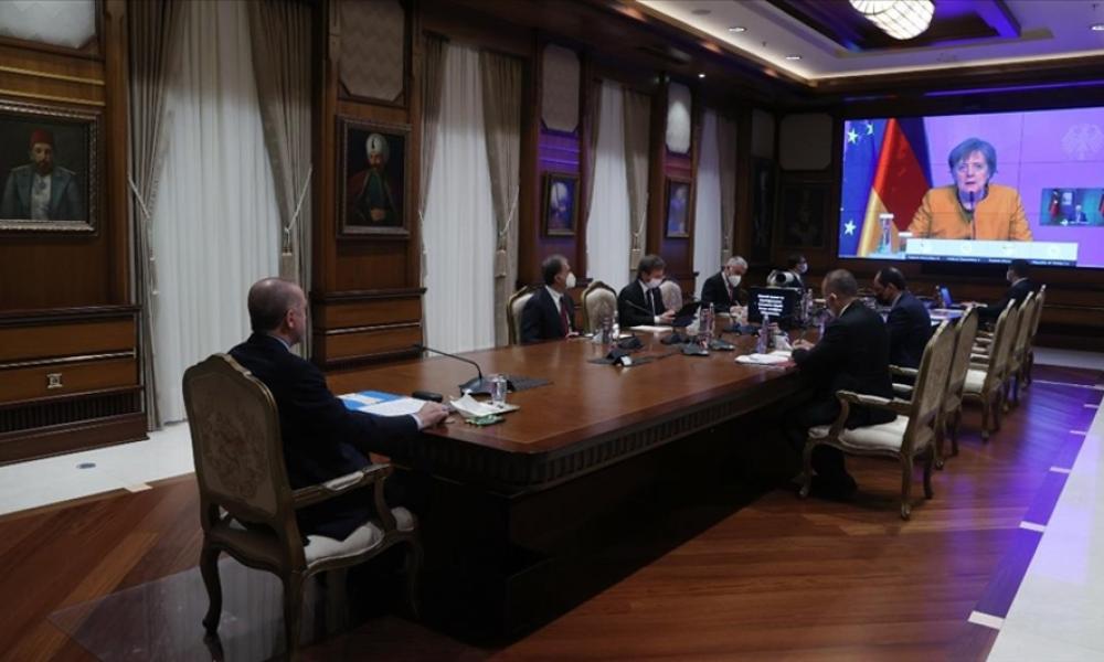 Diplomasi çalımı: Çavuşoğlu'dan önce Erdoğan Merkel'le görüştü