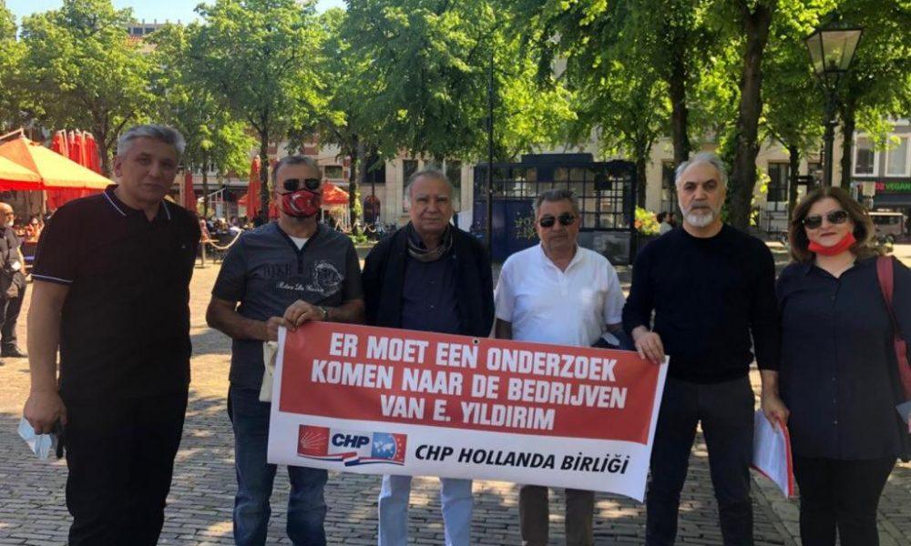 """Hollanda Meclisi önünde Erkam Yıldırım eylemi: """"Siyasilerin çocuklarının ticari ilişkilerini bilmek istiyoruz"""""""