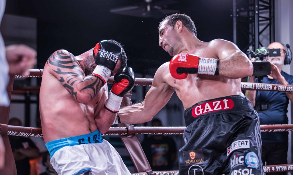 Fırat Arslan, WBA Dünya Kıtalararası Şampiyonu: Türk boksörler bir gecede üç altın kemer kazandı