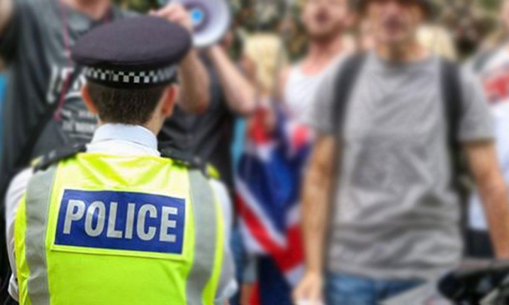 """""""Özgür Filistin"""" sloganı atmıştı: İngiliz polis soruşturuluyor"""