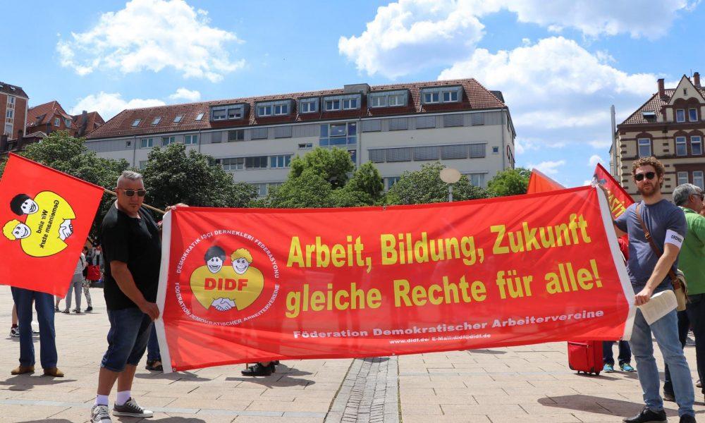 """Sendikalar, partiler ve STK'lardan gençlere ortak çağrı: 18 Eylül'deki """"kriz"""" gösterilerine katılın"""