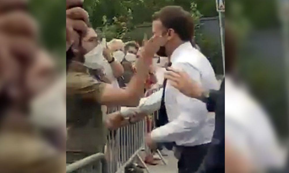 Skandala tepki merakla bekleniyor: Fransa'da Cumhurbaşkanı Emmanuel Macron'a tokatlı saldırı şaşkınlığı