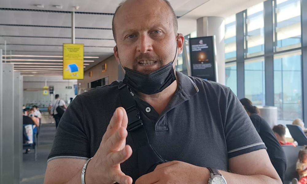 Türkiye'den Almanya'ya dönüşte: Devlet hastaneleri dolu, havalimanına ise 3 saat önce gidin
