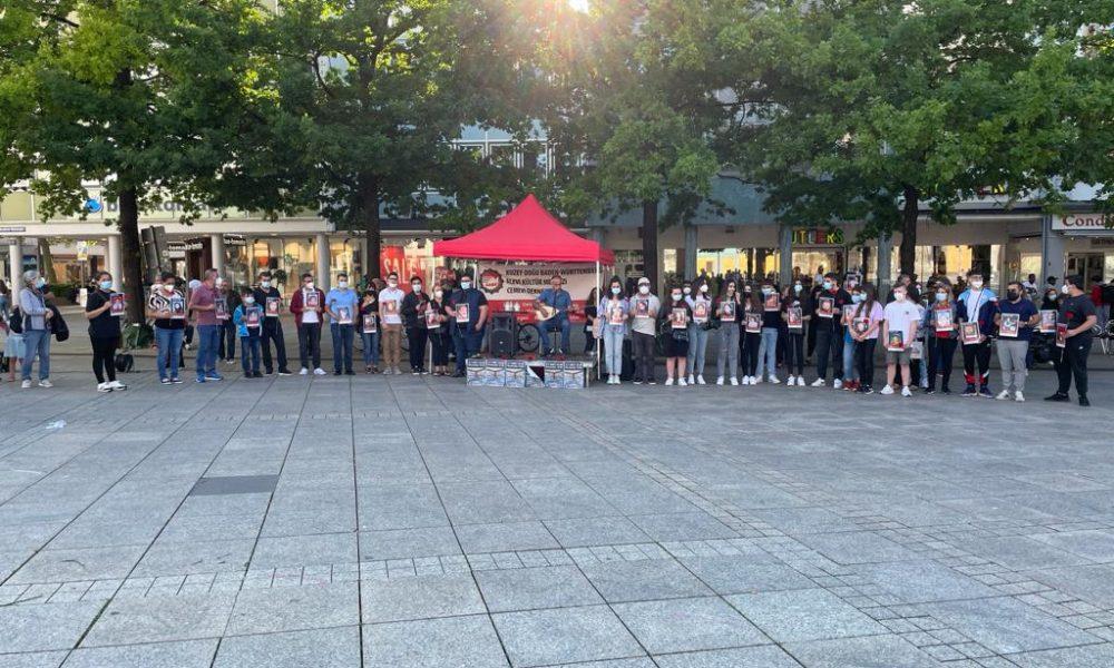 Ulm Münsterplatz'da etkinlik: Almanya'da da Sivas katliamı kurbanları anıldı