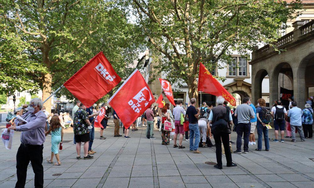Burası Avrupa: Alman Komünist Partisi'ne çıkarılan seçim engeli dayanışma mitinglerinde protesto ediliyor