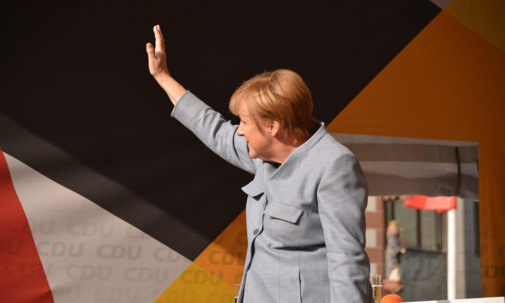 """Almanya'da merkez partilerinin sonu mu? """"Halksız halk partileri"""""""