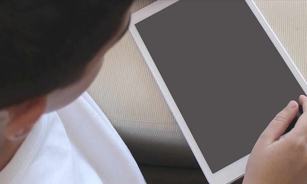 Avrupa'daki Denizlili öğrencilere tablet desteği