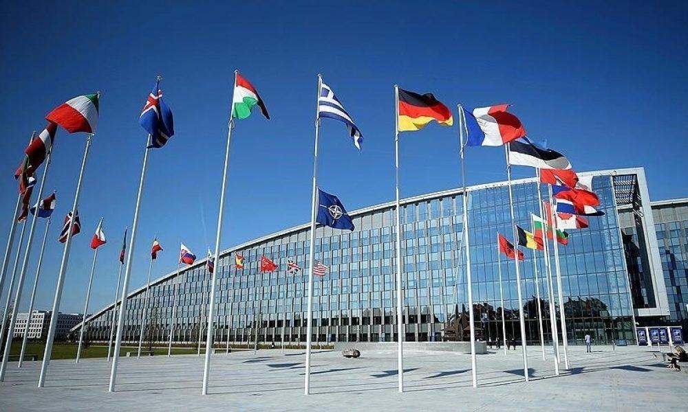 NATO, Belarus'a tepkide ısrarlı: Liderler ek önlemleri görüşecek