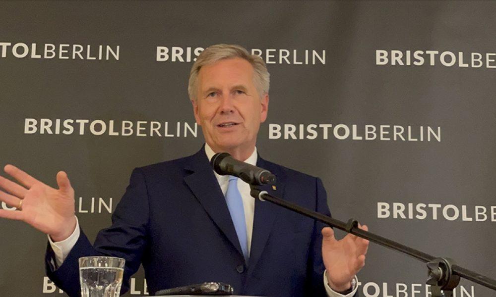 "Eski cumhurbaşkanı Christian Wulff'a göre, ""İslam hâlâ Almanya'ya ait"""