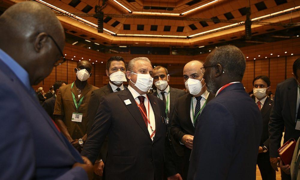 TBMM Başkanı Şentop'un Türk ve İslam düşmanlığı ile ilgili açıklamaları Viyana'da gerginlik yarattı