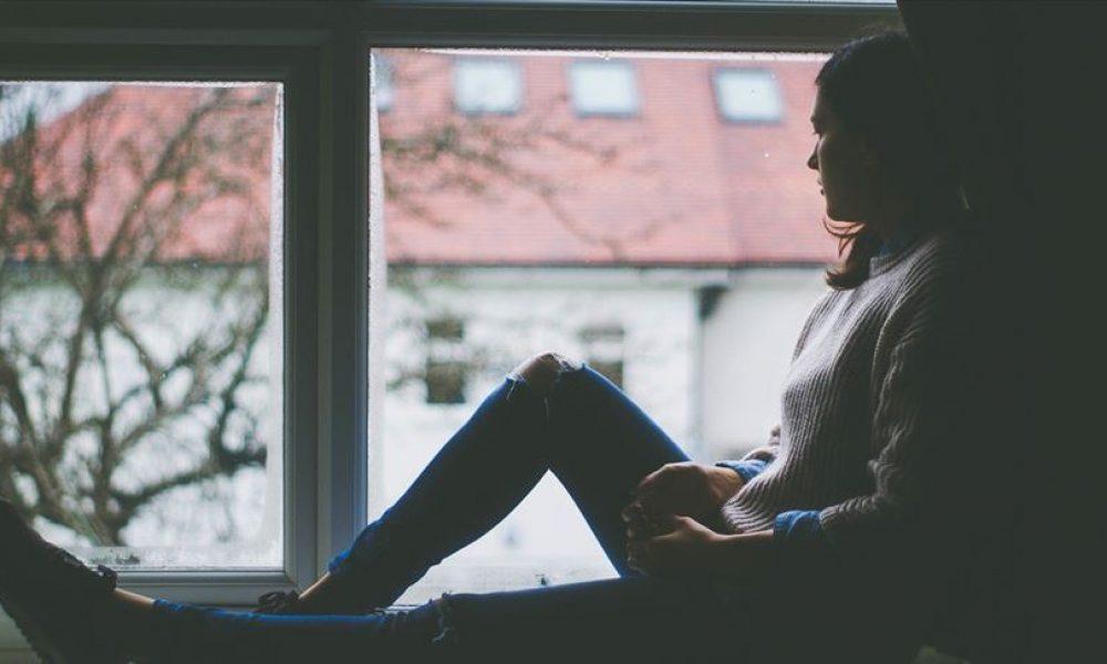 İngiltere'de ulusal sağlık sistemi uyarıyor: Çevrenizde depresyonda olan varsa haber verin