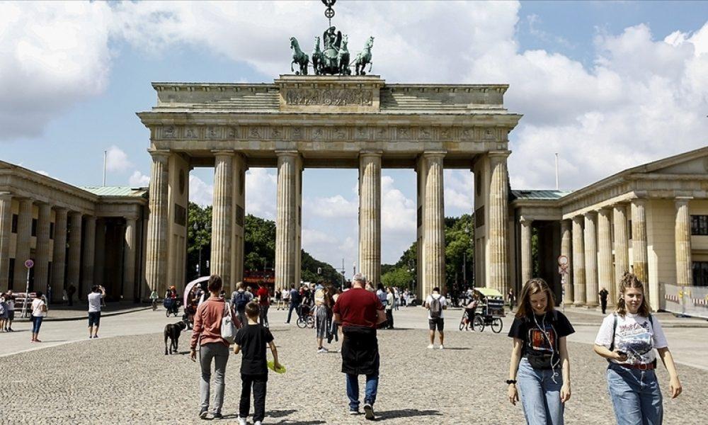 Almanya'da genç nüfus eriyor: 1990 sonrası doğanlar nüfusun yüzde 10'unu oluşturuyor