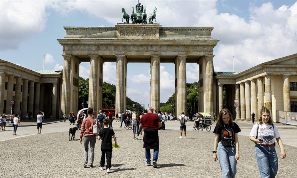 Almanya'da korona endişelerinin sonu gelmiyor: Vaka sayısının artması mümkün