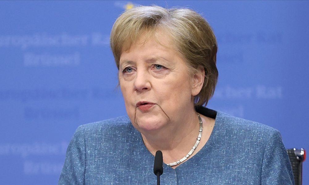 """Angela Merkel: """"Türkiye'nin desteğe her türlü hakkı var"""""""