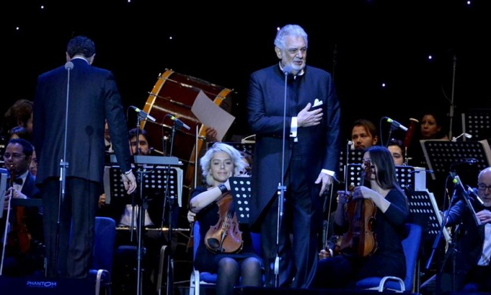Cinsel tacizle suçlanan İspanyol tenor Placido Domingo, ülkesinde tekrar konser verdi