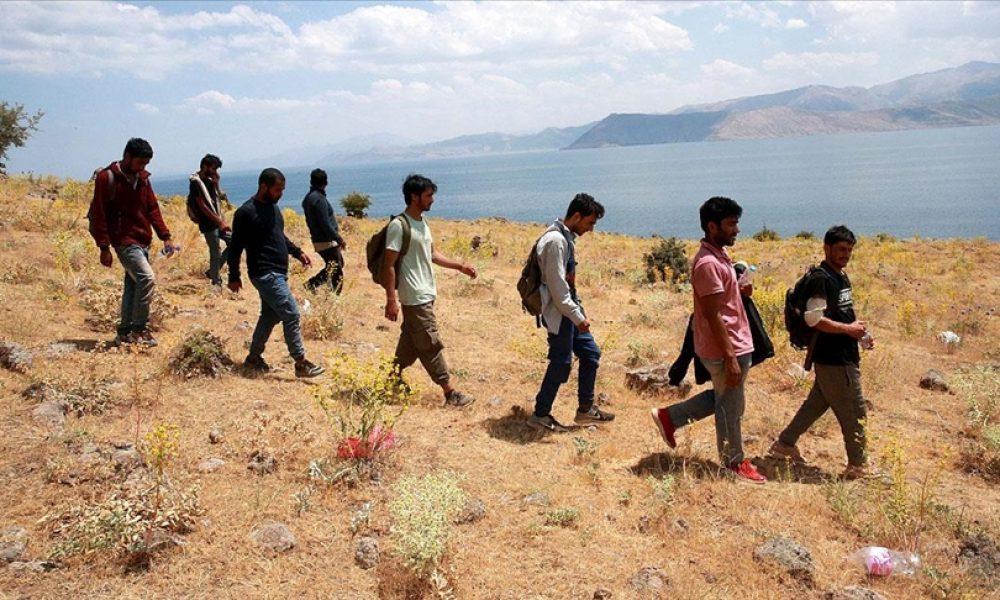 2015 krizi çok korkuttu: AB göçmen akınıyla karşılaşmamakta kararlı