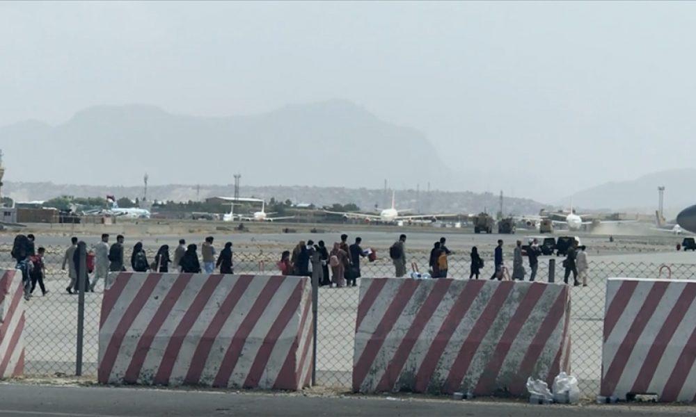 NATO, tahliyeler için Kabil'deki havaalanının açık kalmasını istedi
