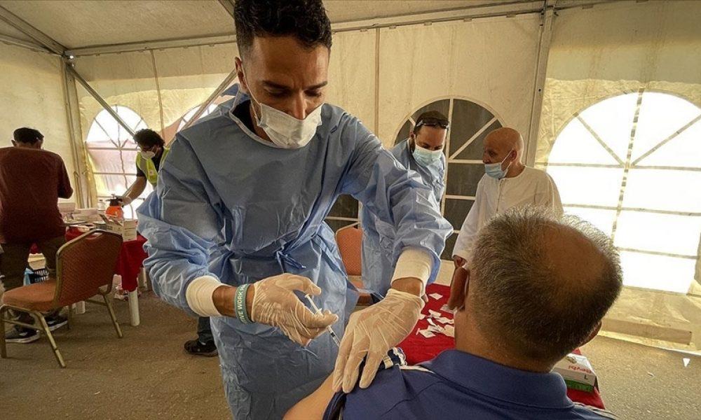 Fransa'da koronavirüs tedavisindeki her 10 kişiden 8'i aşısız: Basit gerçek