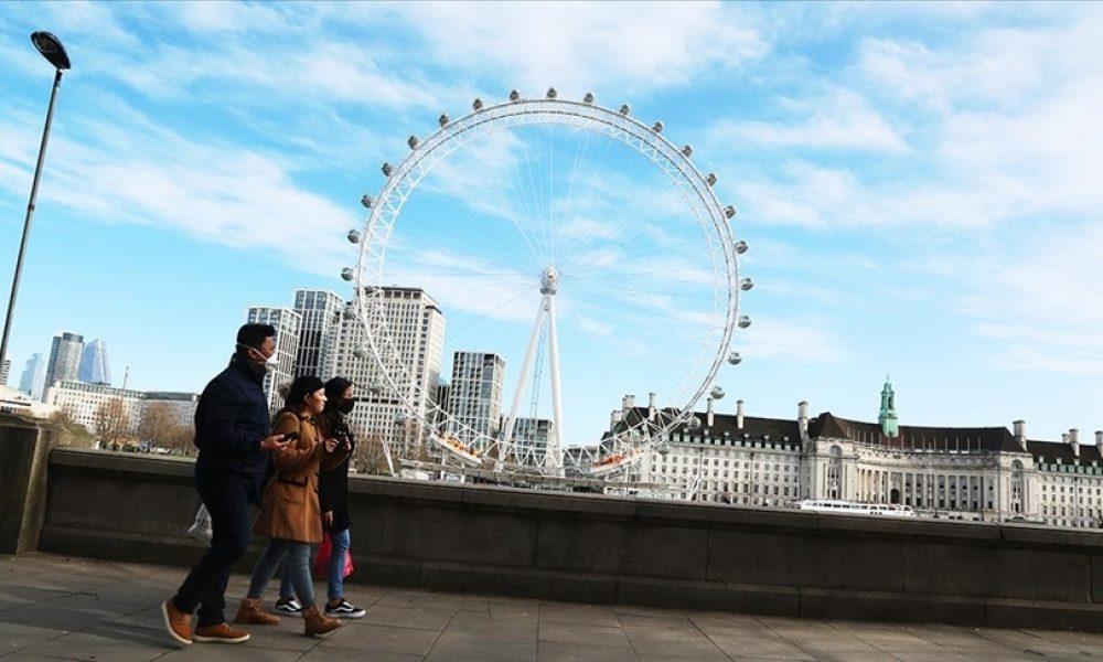 """İngiltere'de kamu borçlanmasındaki küçük gerilemenin nedeni: Ekonomi """"ferahlamış"""""""