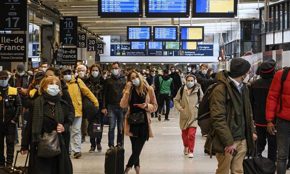 Maske zorunluluğu ve gece saatlerindeki sokağa çıkma yasağı kaldırılıyor: Fransa normale çok yakın