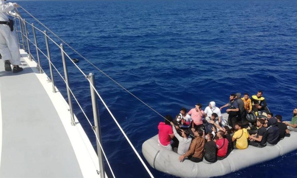 İtalya Sahil Güvenliği: Lampedusa açıklarında 125 düzensiz göçmeni kurtardı
