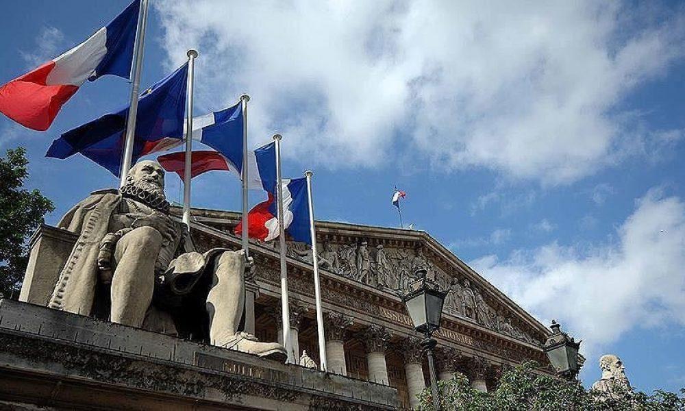 """Fransa'da yine Macron önlemleri: """"Cumhuriyet değerlerine aykırı"""" görülen imamın görevine son verildi"""