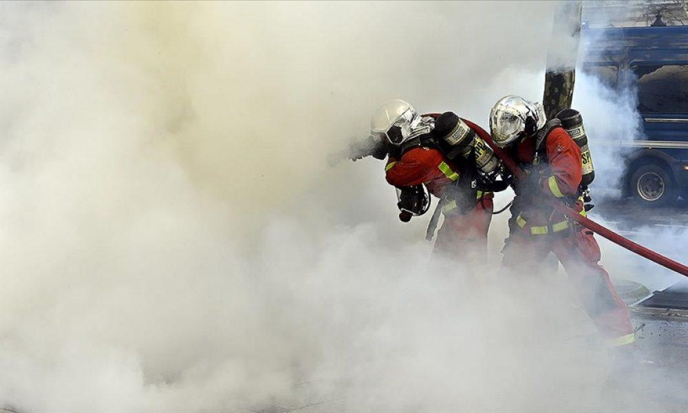 Fransa'nın güneyinde orman yangını: Binlerce kişi tahliye edildi