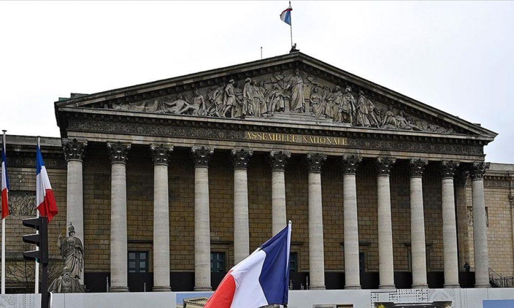 Fransa'da bir caminin dini statüsü iptal edildi