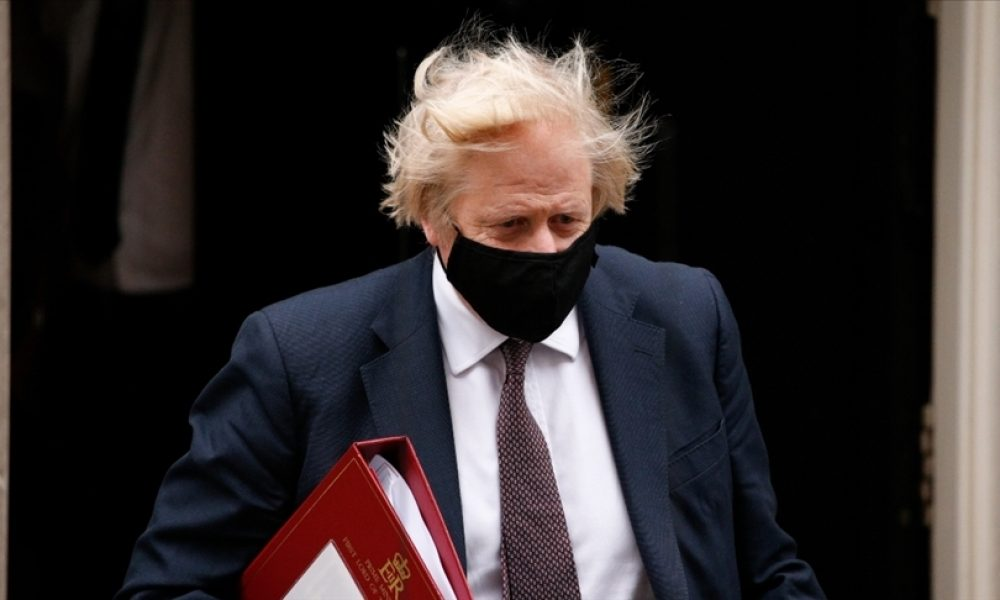 """Başbakan Boris Johnson ısrarcı: """"Amber listedeki ülkelere bile gitmeyin!"""""""