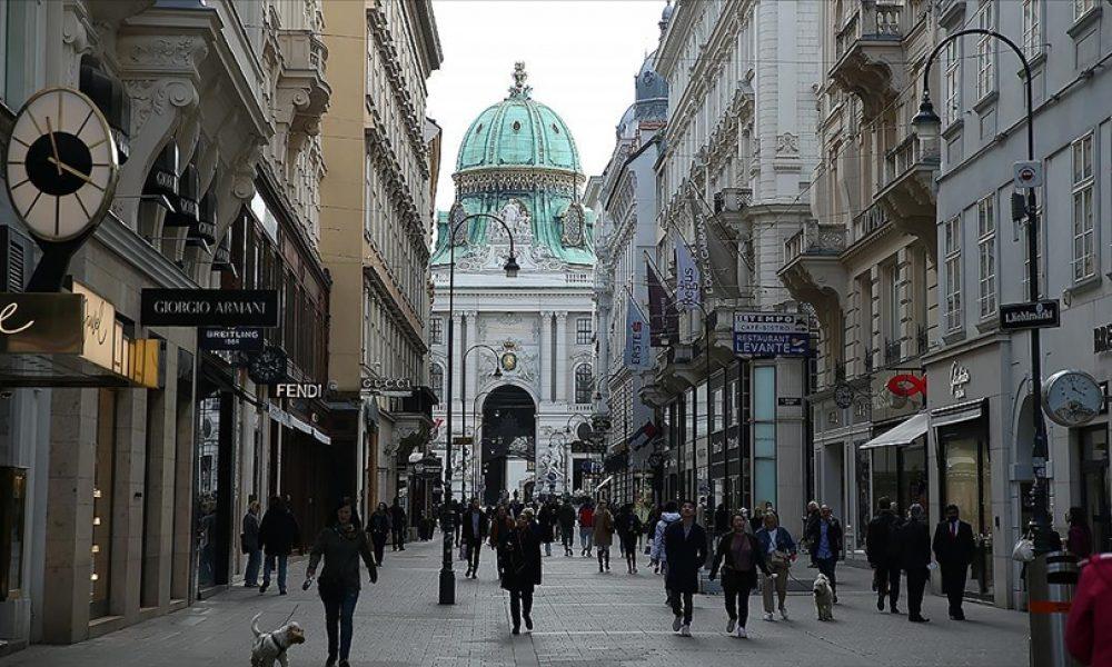 Aşı yaptırmayanlar: Viyana'da kısıtlamalar hayata geçirilecek