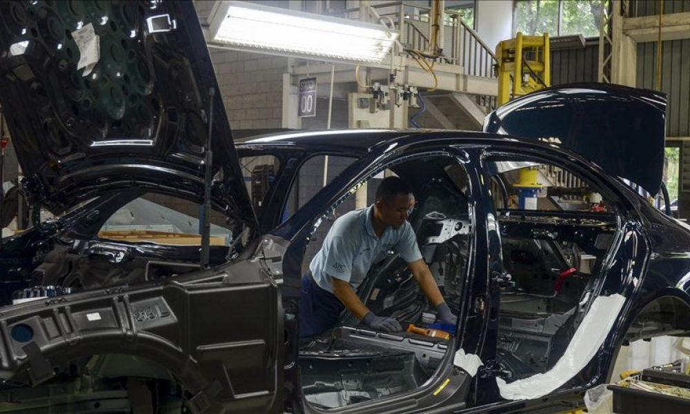 Kısa süreli çalışma: Daimler, binlerce çalışanını geri getiriyor