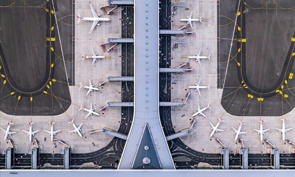 Barselona havalimanı: İspanyol hükümeti, 1,7 milyar avroluk projeyi askıya aldı