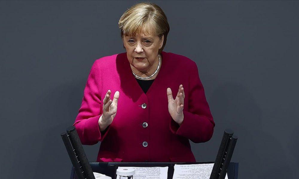 """Başbakan Angela Merkel: """"Deniz taşımacılığı küresel ticaretin can damarı"""""""
