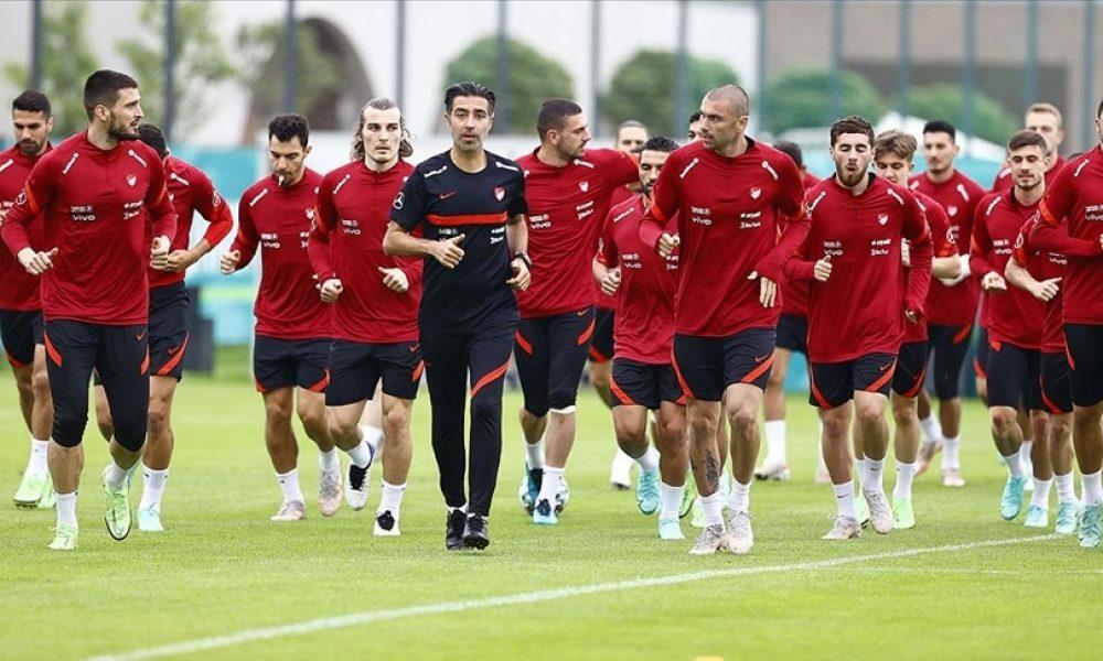 A Milli Futbol Takımı, İtalya'da: Şampiyonanın açılış maçı yarın gece